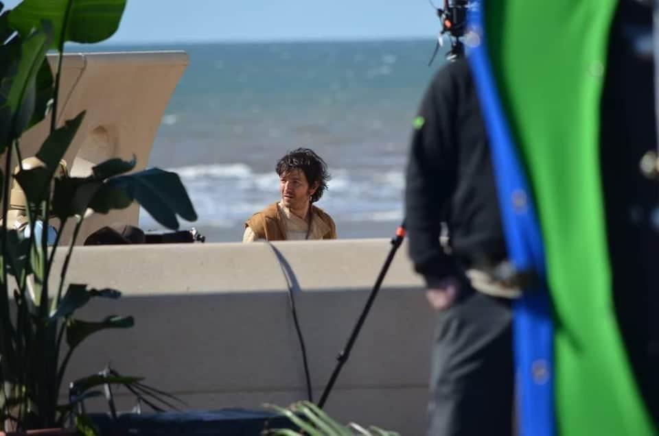 , [FOTO] Andor: ecco Diego Luna sul set nei panni del Capitano Cassian Andor, Star Wars Addicted